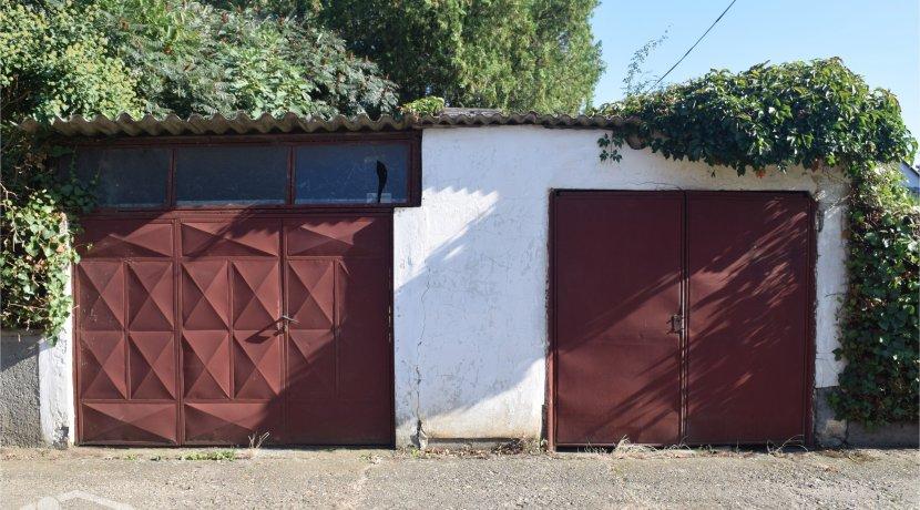 trosobna kuca i velik plac berbersko prodaja sigma nekretnine zrenjanin 1