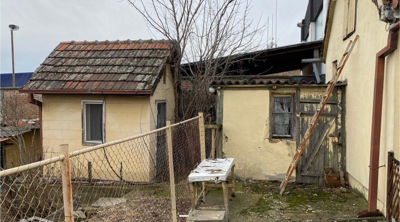 dvosobna kuca u dvoristu karađorđev trg prodaja sigma nekretnine zrenjanin 4