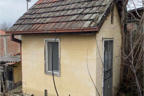 dvosobna kuca u dvoristu karađorđev trg prodaja sigma nekretnine zrenjanin 5