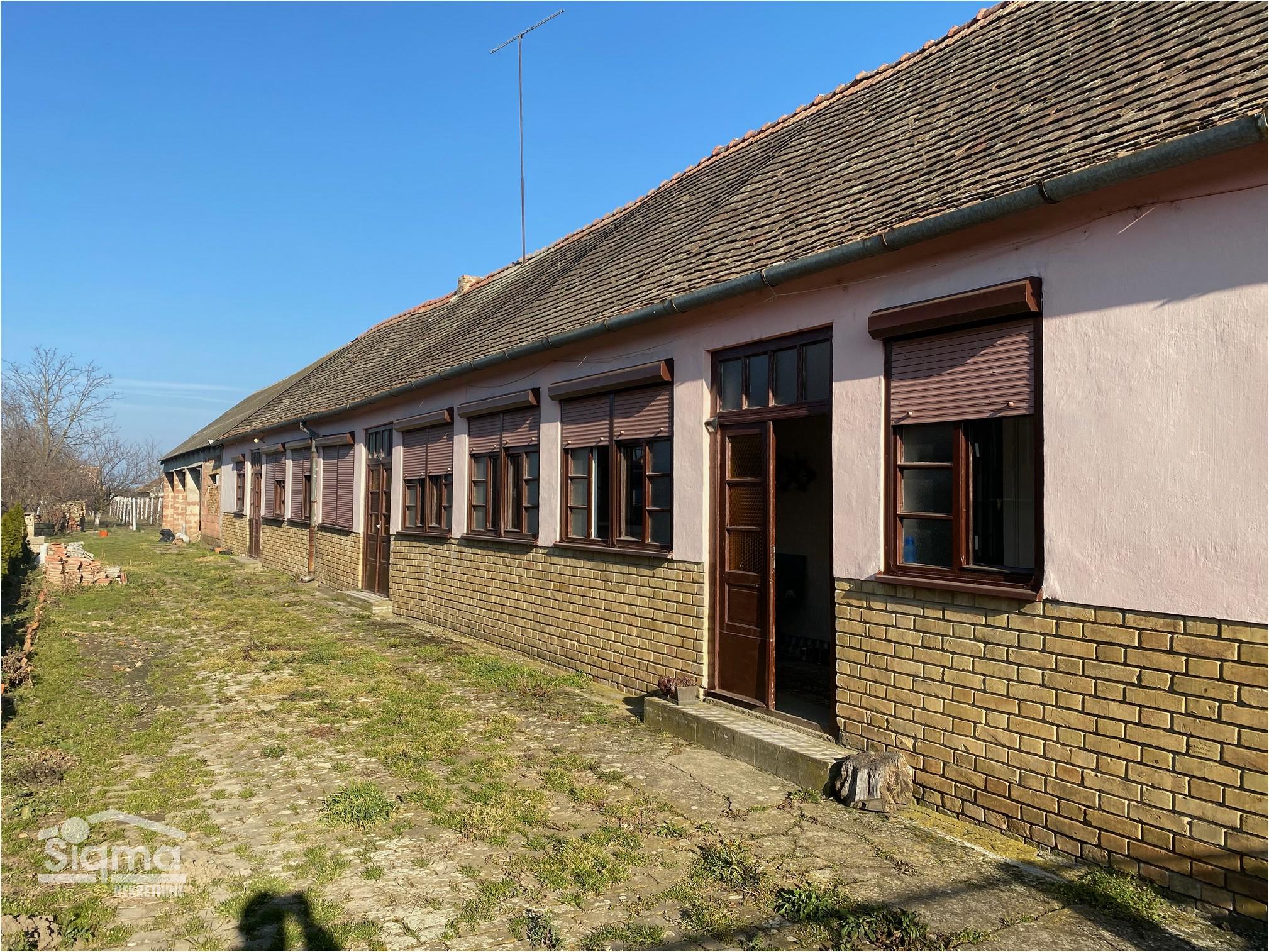 Kuća I Vinograd Aradac