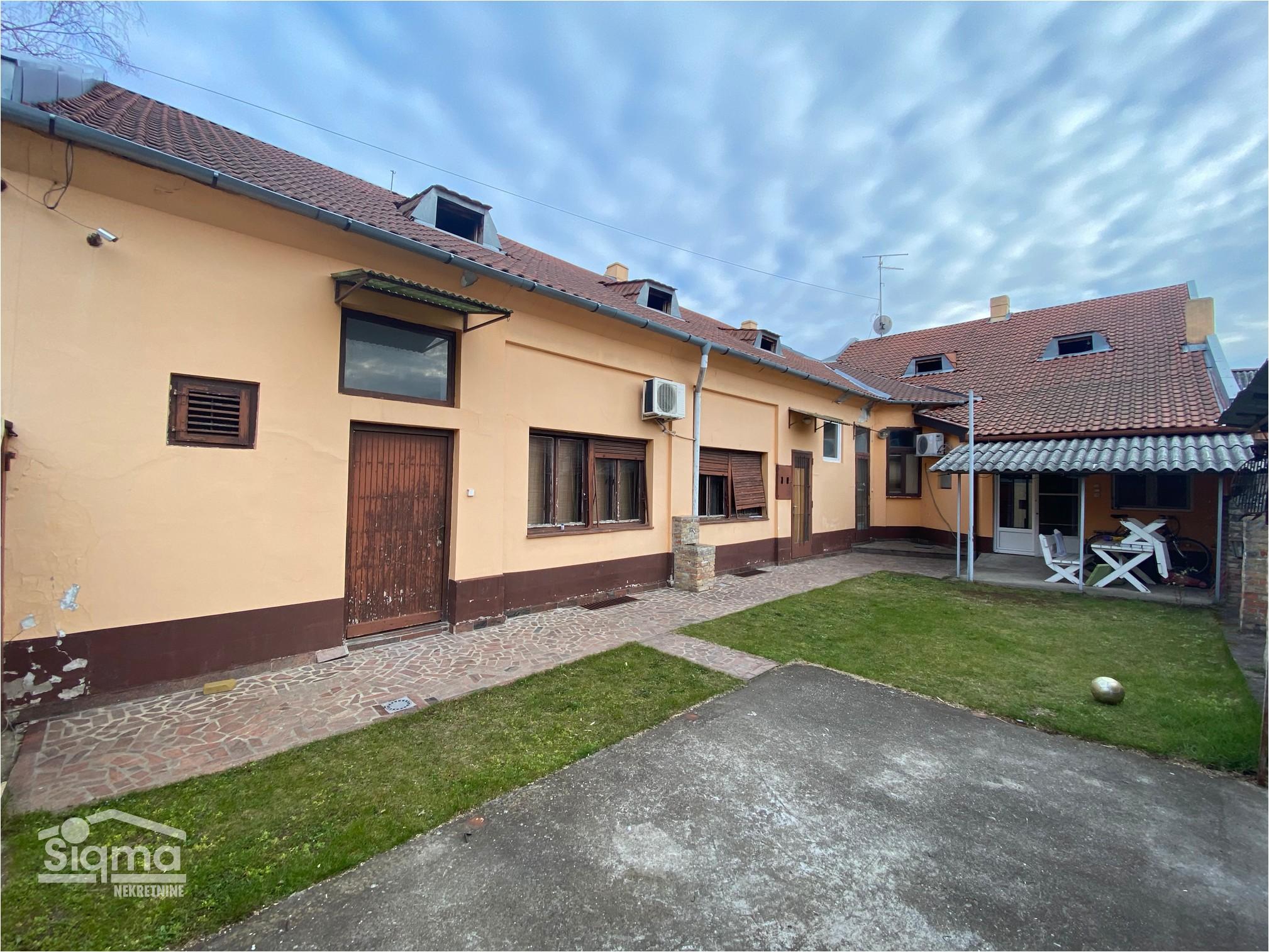 Lokacija CENTAR Kuća i Plac
